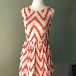 NWT Pretty ZIG ZAG pattern dress